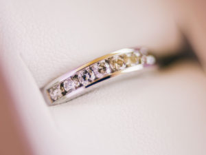 婚約指輪 デザイン エタニティリング