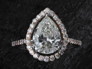 婚約指輪 ダイヤモンド カット ペアシェイプ