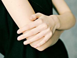 婚約指輪 プロポーズ 指のサイズ