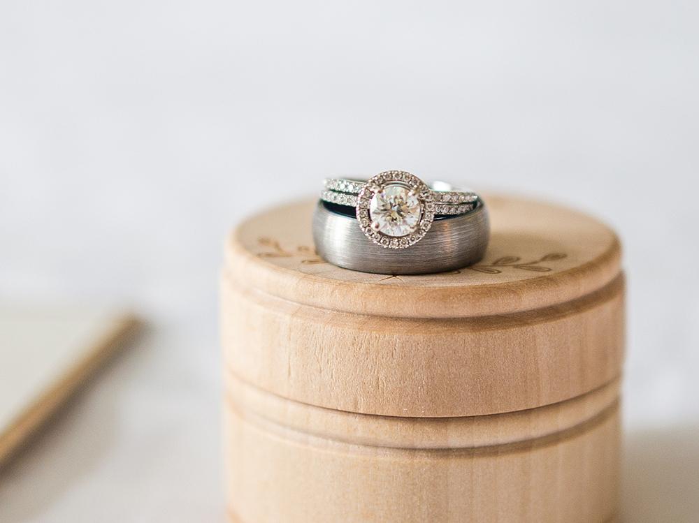 婚約指輪・結婚指輪 重ね着け ライン