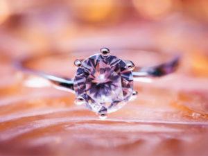 婚約指輪 日本 いつから 由来