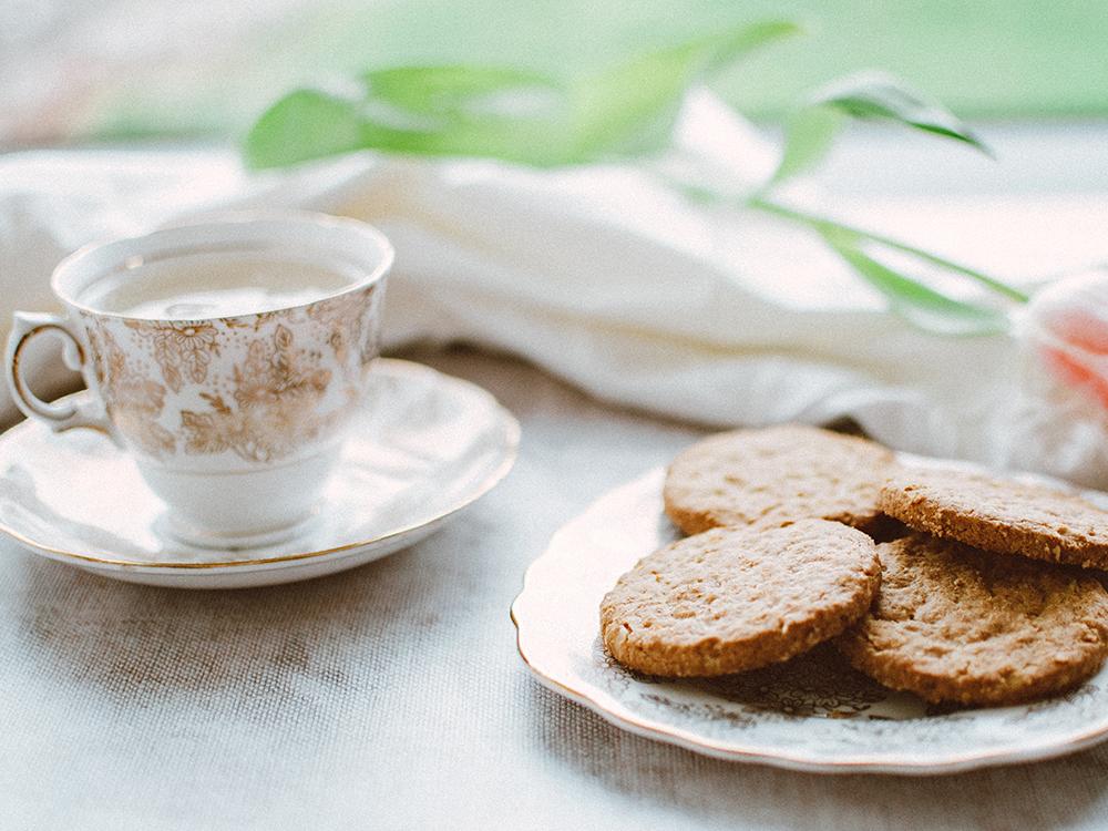 親への結婚挨拶 親の対応 お茶菓子
